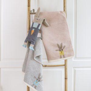 David Fussenegger Babydecke Hase rosa mit Stick